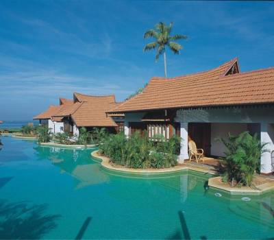 KUMARAKOM LAKE RESORT AND HOUSEBOATS