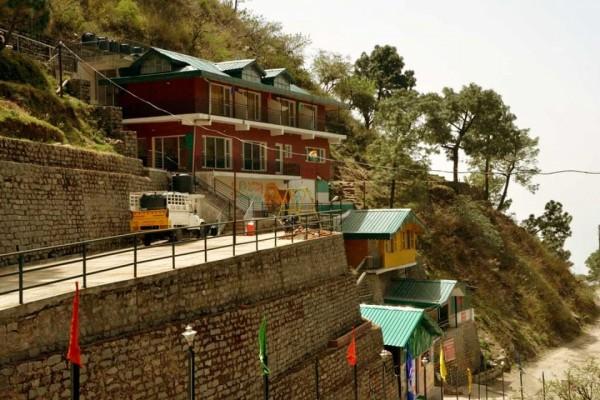 Safarmaina Resort